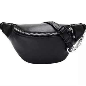 Handbags - The Essential Black Fanny Pack 🖤 Chain Belt Bag